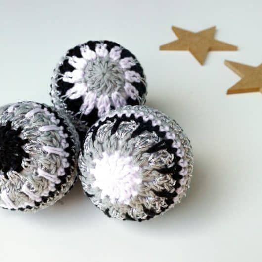 Christmas bauble set - black and white